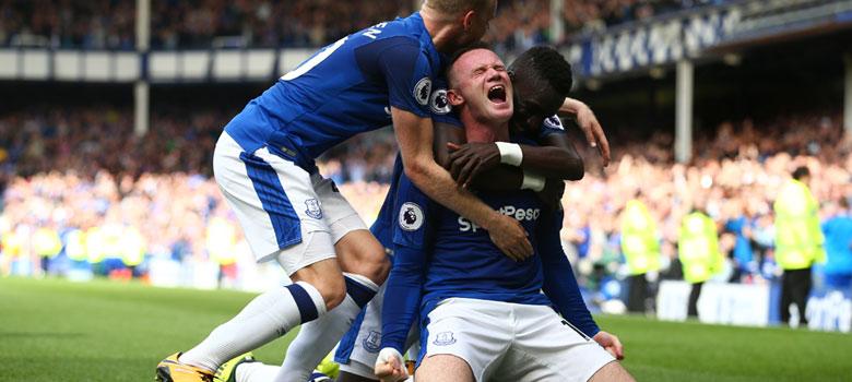 Wayne Rooney celebrates an Everton goal